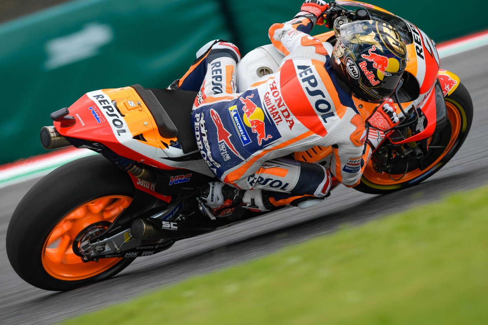 MotoGp Yamaha, Rossi sui fischi a Marquez: