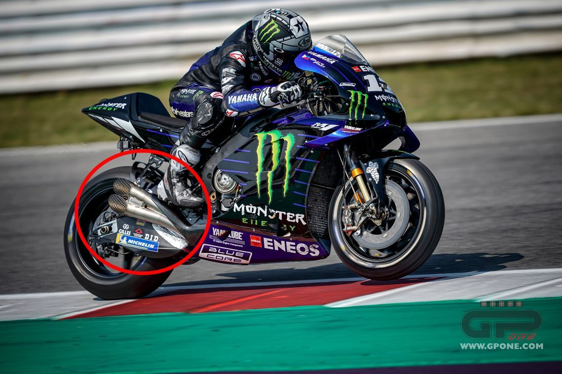 Motogp Dual Exhaust On Rossi S And Vinales Yamahas Gpone Com