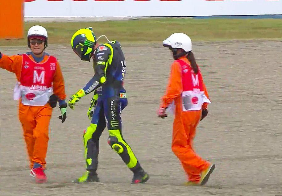 """MotoGP, Rossi: """"For a victory Marquez's, I'd walk back to the pits"""
