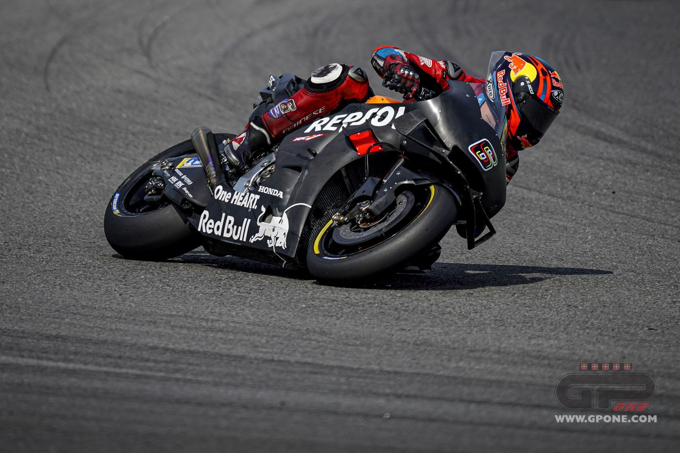 Motogp Honda Test Rider Stefan Bradl At Jerez But I Won T Replace Marquez Gpone Com