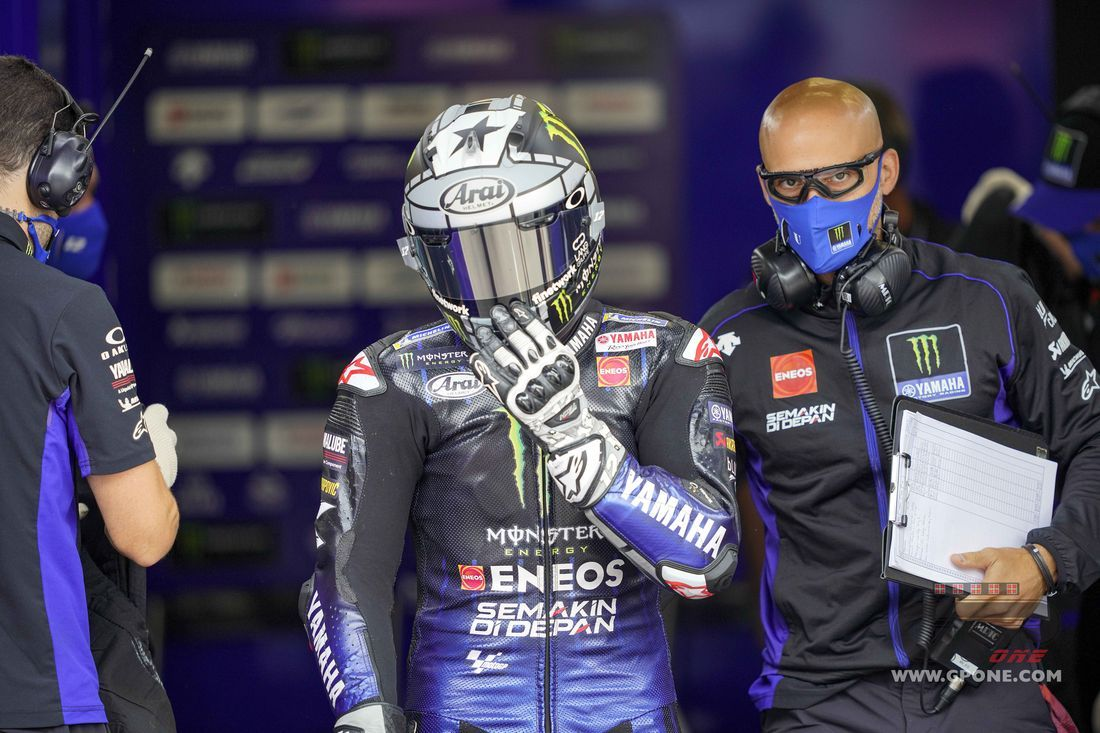 Motorcycling: Rossi urges riders to control aggression after 'terrifying' crash