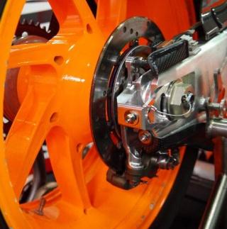 La protezione applicata dalla Honda al cavo del traction control
