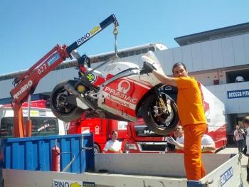 La Ducati di Andrea Iannone dopo la caduta