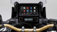 Moto - News: Honda Africa Twin, ora anche con Android Auto