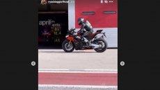 SBK: Max Biaggi in pista con la nuova Aprilia RSV4 2021 ad Adria