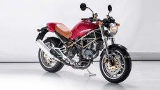 Moto - News: Ducati Monster 900 Club Italia venduto all'asta da Sotheby