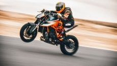 Moto - News: KTM 1290 Super Duke RR MY 2021: The Beast, la naked ancora più Ready to Race