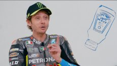 """MotoGP: VIDEO - Valentino Rossi si confessa: """"mangio la pizza con la maionese"""""""