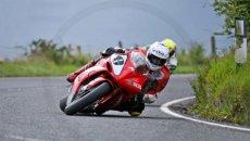 """Moto - News: Usato per pochi: la Yamaha R1 """"da record"""" di Guy Martin è in vendita"""