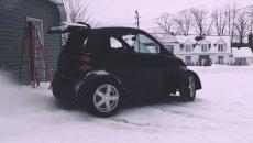 Moto - News: Ecco cosa succede quando una Suzuki Hayabusa incontra una smart