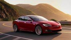 Auto - News: Tesla: dopo quanti km le batterie perdono capacità?