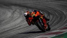 MotoGP: Binder vince con le slick sul bagnato in un GP pazzo, secondo Bagnaia