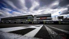 MotoGP: Silverstone si sposta in estate: il GP 2022 il 7 di agosto