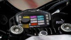 MotoGP: Cartellino giallo e problemi alla tuta: due nuovi messaggi sul cruscotto