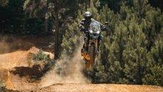 Moto - News: Triumph Tiger 1200: con Carmichael va forte anche sulla pista da cross!