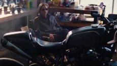 Moto - News: Brad Pitt e la Harley-Davidson cafe-racer... per lo spot del caffè