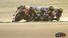 Moto2: Fifteen Teams, each with two riders, were confirmed in each class