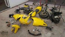 Moto - News: Ducati 916 Restoration: quando la Superbike ha bisogno di coccole