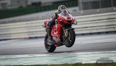 MotoGP: Zarco fa il vuoto sul bagnato in FP1 a Misano: Marquez 2°, cade Bagnaia