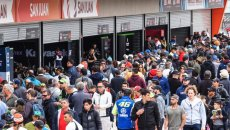 SBK: Voli cancellati, squadre divise: il viaggio ad alto rischio della SBK in Argentina
