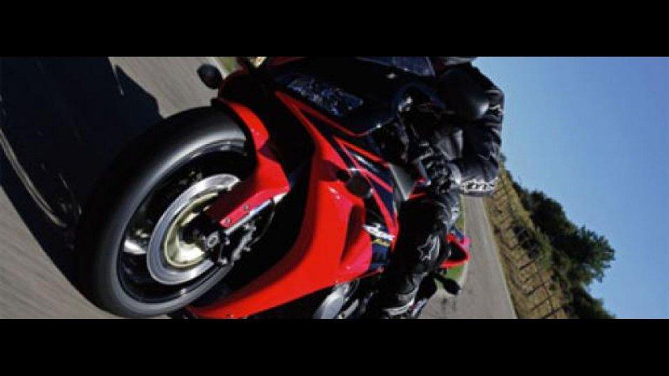 Moto - News: Honda CBR 1000 RR 2006 -TEST