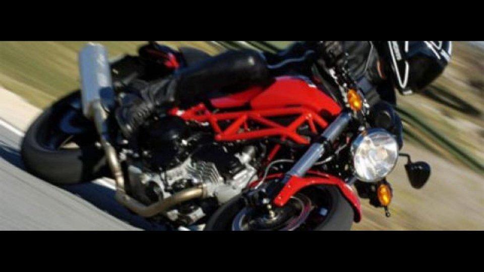 Moto - News: Ducati Monster 695