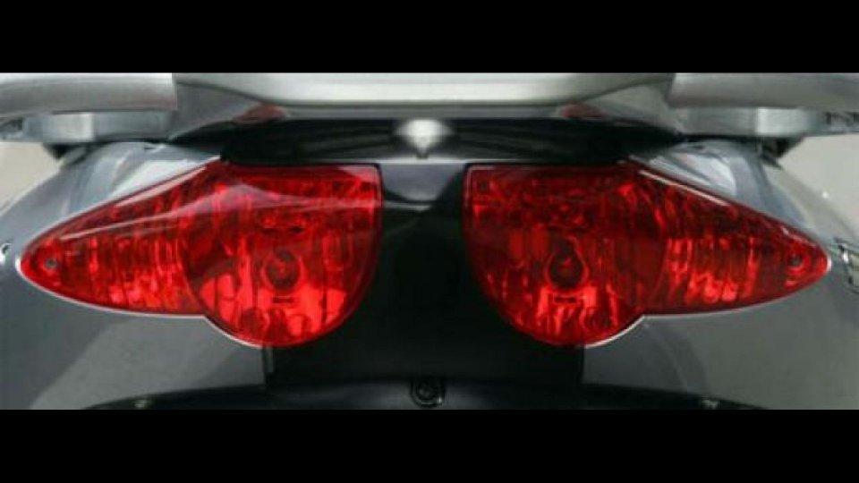 Moto - News: Aprilia Sportcity 250 ie