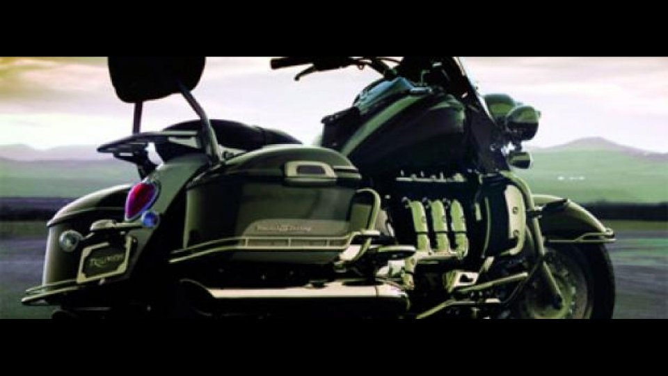 Moto - News: Triumph Rocket III Touring