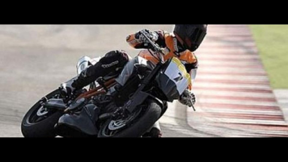 Moto - News: Trofeo KTM Super Duke 2009