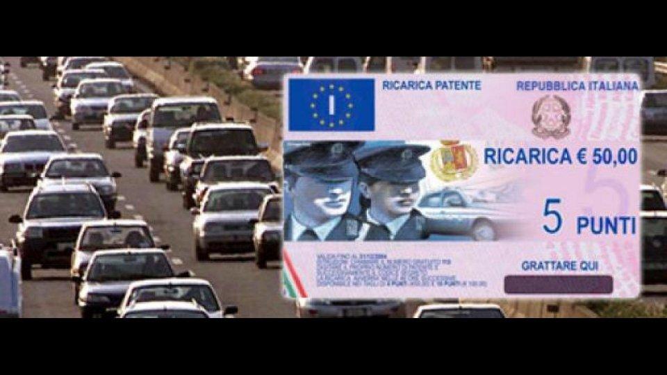 Moto - News: Patente a punti: gli italiani hanno imparato a raggirarla