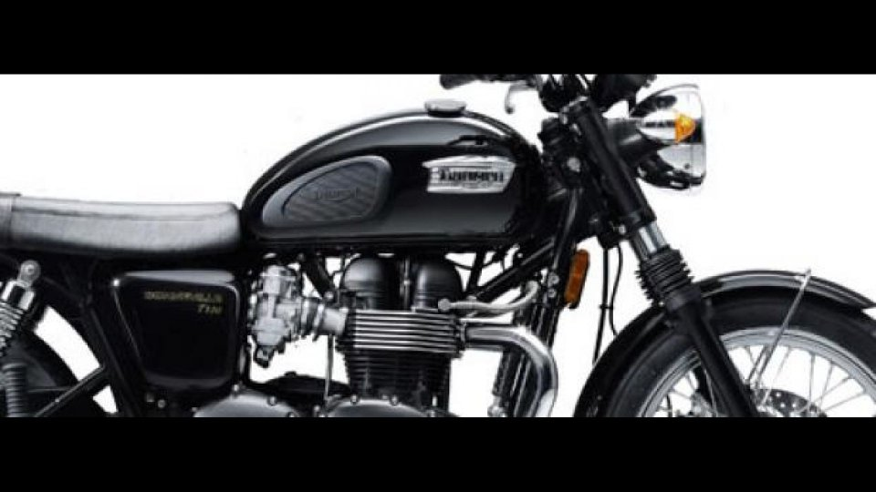 Moto - News: Triumph Bonneville T100 Black 2010