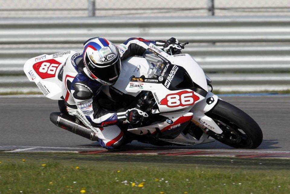 Moto - News: STK: Terza vittoria consecutiva per Badovini