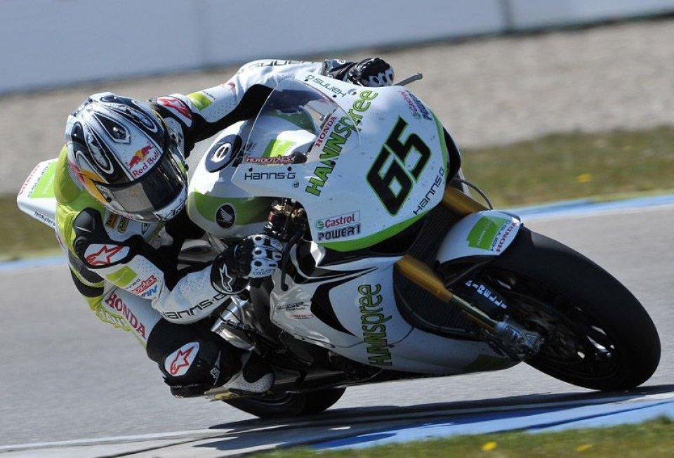 Moto - News: SBK: Gli inglesi conquistano Gara 1 ad Assen. Vince Rea