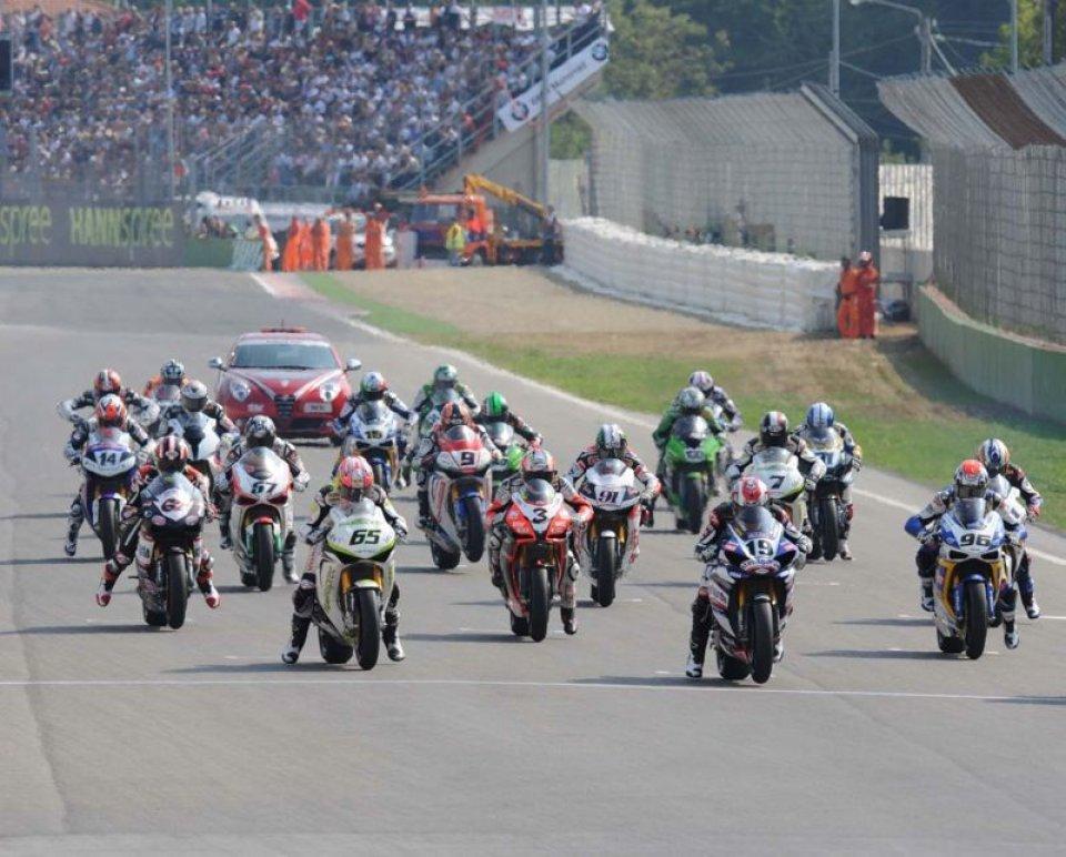 Moto - News: La Superbike in pista ad Imola