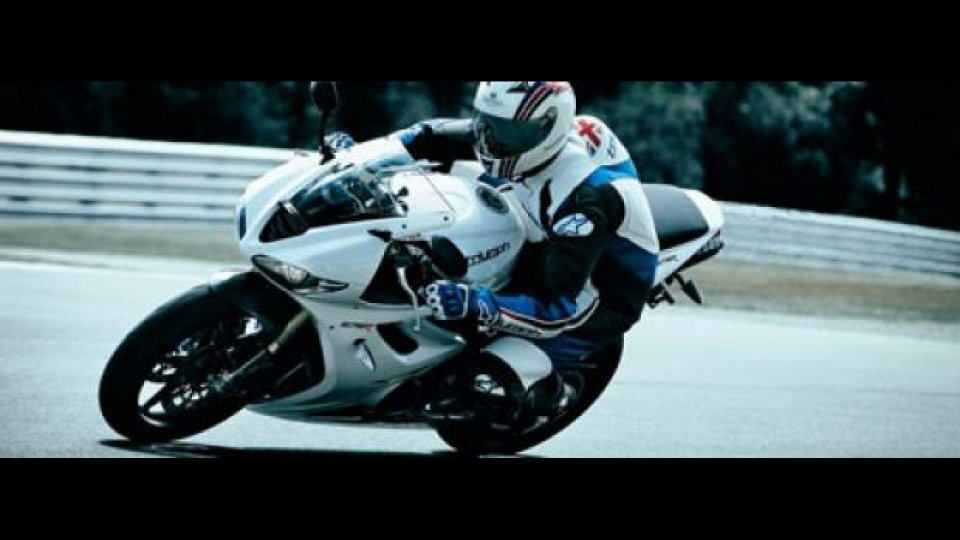 Moto - News: Triumph Daytona 675R 2011