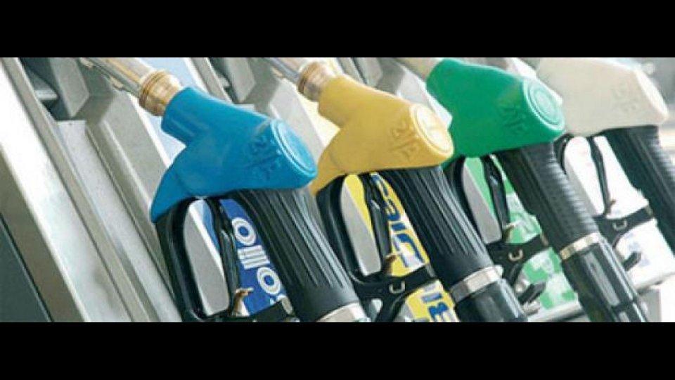 Moto - News: Caro carburante: rincari per le Feste... un caso?
