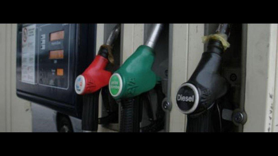 Moto - News: Caro carburante: 268 euro all'anno in più