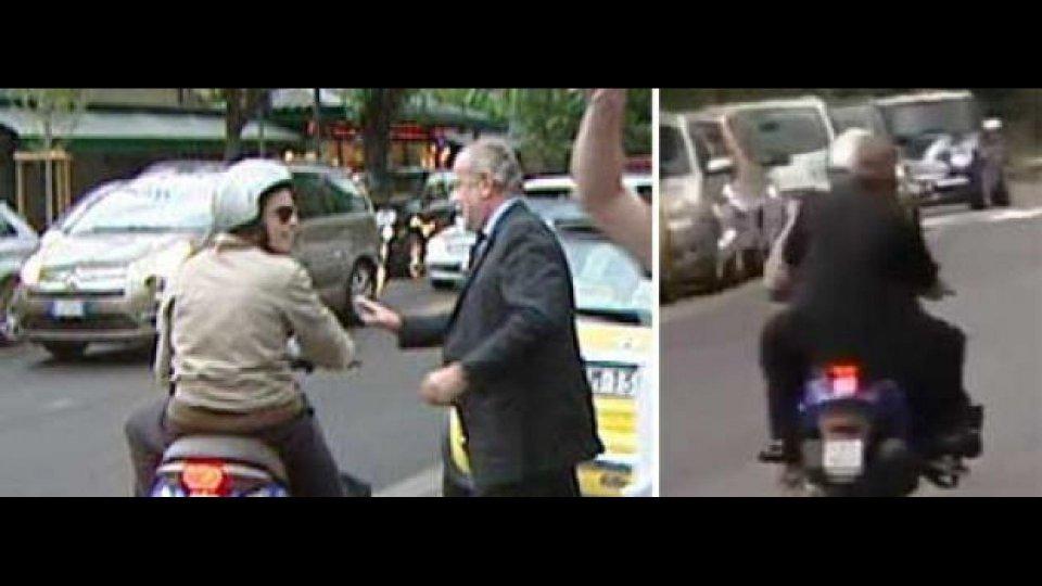 Moto - News: De Laurentiis in fuga senza casco: pessimo esempio