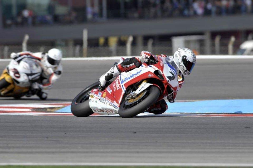 Moto - News: Ducati Althea riconferma Carlos Checa