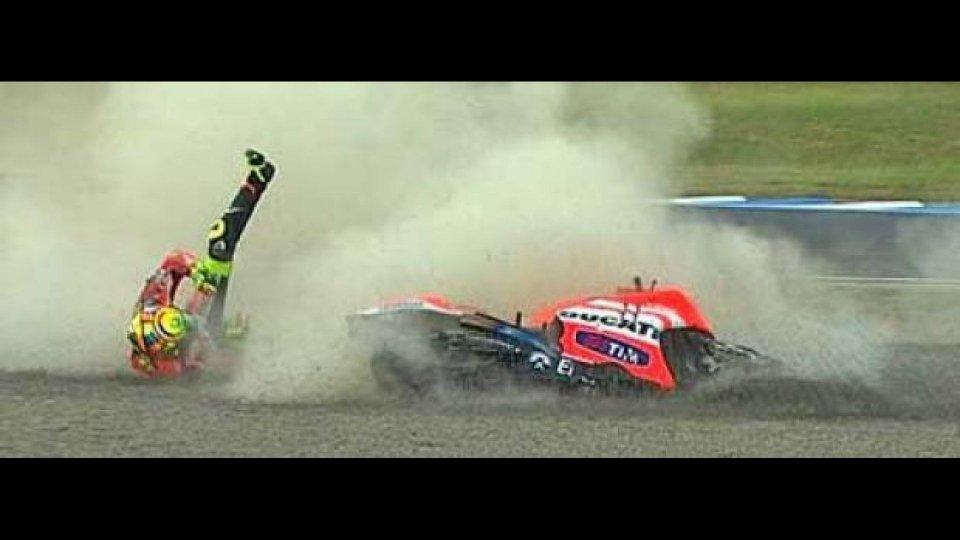 Moto - News: MotoGP: Infrazione al mignolo sinistro per Valentino Rossi