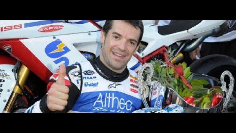 Moto - News: WSBK 2011, Magny-Cours, Gara 2: Carlos Checa non si ferma