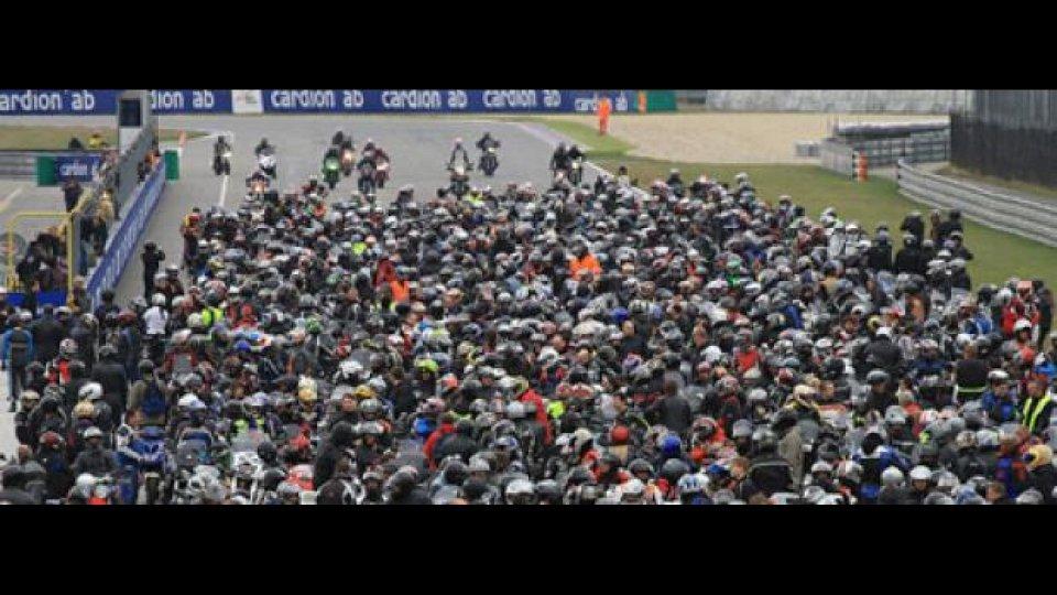 Moto - News: 1300 moto a Brno per ricordare Simoncelli