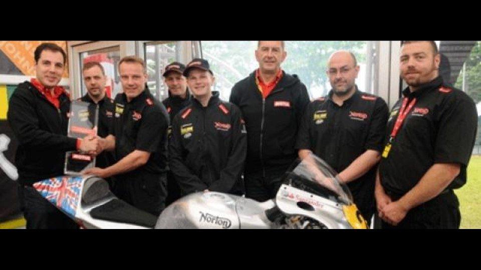 Moto - News: Tourist Trophy 2012: Norton vince il Motul Team Award