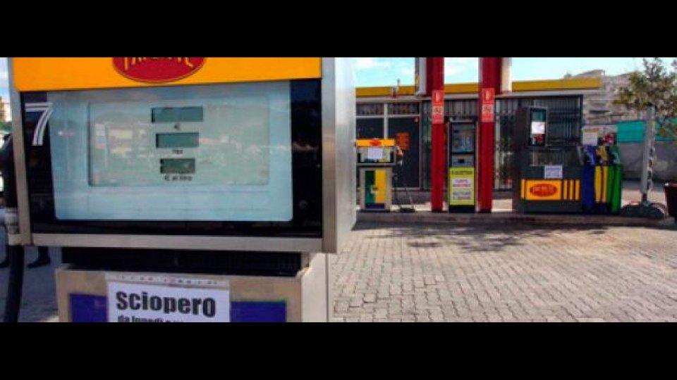 Moto - News: Bufera sullo sciopero dei benzinai
