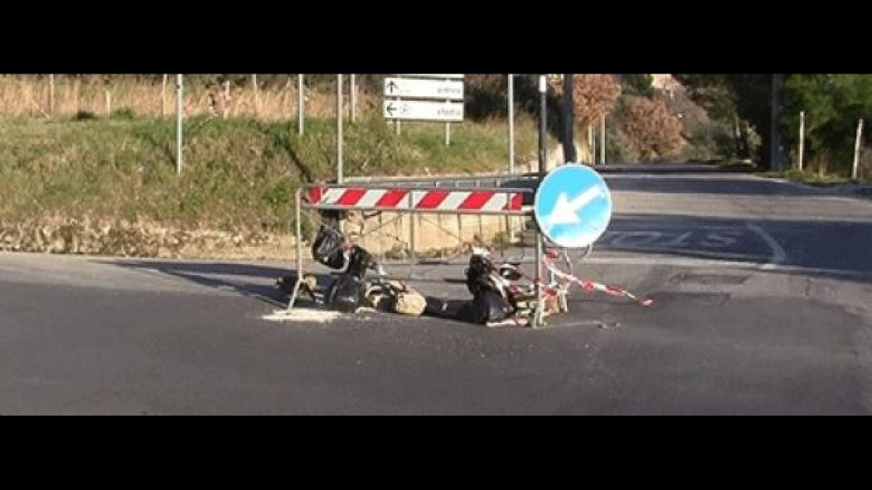 Moto - News: Strade disastro, calvario per le moto