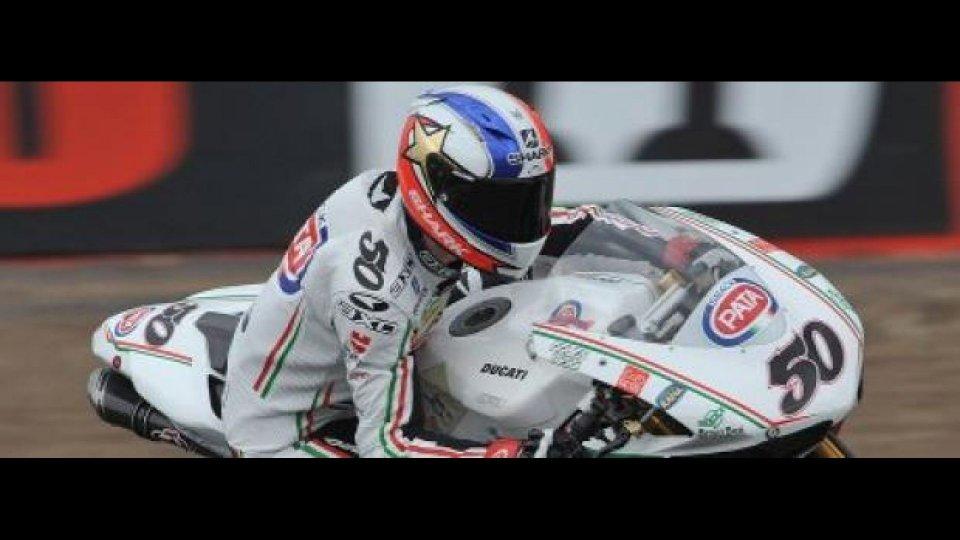 Moto - News: WSBK 2012, Silverstone, Gara 2: Guintoli batte l'acqua