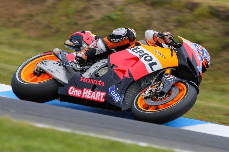 MotoGP: MotoGP: Rossi a terra, Stoner in cielo