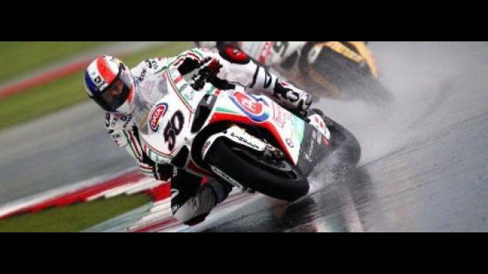 Moto - News: WSBK 2012, Magny-Cours, Gara 1: Fantastico Guintoli sotto l'acqua