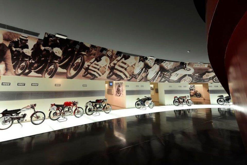 Moto - News: Ducati Dream Tour 2013 con Beppe Gualini