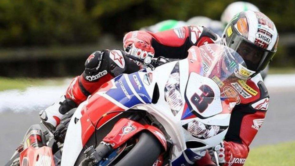 Moto - News: Tourist Trophy 2013: con il sole McGuinnes è subito in testa